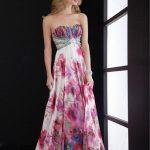 rengarenk canlı renkli straplez elbiseler
