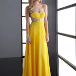 sarı straplez uzun bayan elbisesi