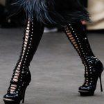 siyah bağcıklı çizme modeli
