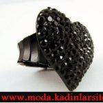 siyah kalpli yüzük modeli