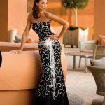 siyah ve beyaz renklerde straplez uzun bahayn kıyafeti modası