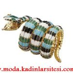 yılan figürlü renkli saat modeli