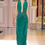 zuhair murad yeşil kadife abiye modeli