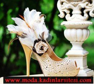 aksesuarlı krem burnu açık ayakkabı modeli