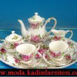 beyaz ve pembe çay takımı modeli