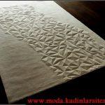 krem kabartmalı geometrik halı modeli