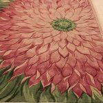 pembe çiçek figürlü halı modeli