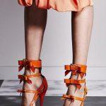turuncu fiyonk detaylı stiletto modeli