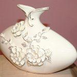beyaz porselen dekoratif çiçekli vazo modeli