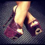 kırmızı yılan derisi ayakkabı modeli