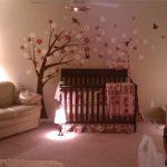 kahve pembe dekoratif kız çocuk odası