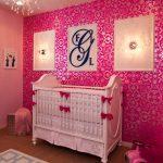pembe beyaz modern bebek odası
