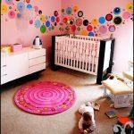 pembe renkli kız bebek odası