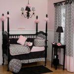 pembe siyah kız bebek odası