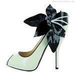 siyah beyaz çiçek detaylı ayakkabı modeli