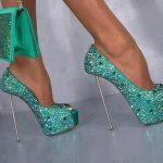 yeşil taşlı ayakkabı modeli