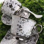 Yaprak desenli gümüş yaldızlı porselen fincan