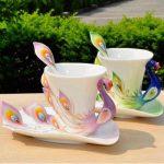 mor tavuş kuşlu porselen fincan ve tabağı