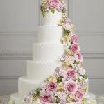 çiçekli güllü düğün pastası