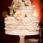 şık ve modern düğün pastası