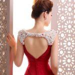 arkası kalpli bordo elbise