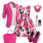 pembe çiçekli elbise ve kombini