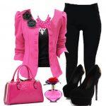 pembe ceket ve siyah pantolon kombini