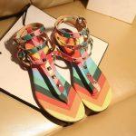 renkli sandalet modeli